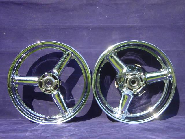 Suzuki Chrome Wheels